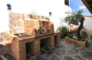 Casa rural en arroba de los montes - Patios con barbacoa ...